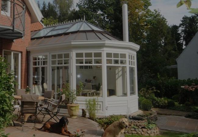 Pavillon Poolhaus
